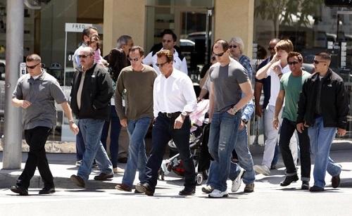 costs-celebrity-entourage